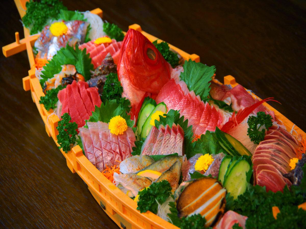 特注料理:海鮮舟盛り(刺身盛合せ)/目安3~5名様程でどうぞ!3名様以下なら「皿盛り」がオススメ!