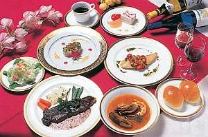 鹿沢リゾートホテル:オーナーの自信作。フルコースディナー