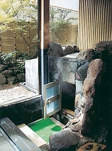 久野屋旅館:温泉蒸気を利用した蒸気〈むし〉湯が珍しい