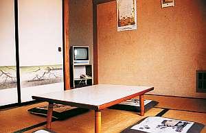 白樺湖畔 民宿なかや:純和室のお部屋でのんびりお過ごしください