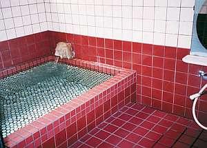 若狭常神 民宿 杉本:旅の疲れをゆっくり癒してください。家族風呂となっています。