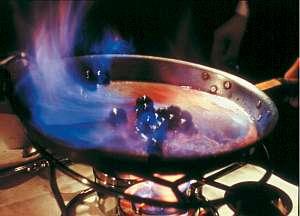 草津温泉 喜びの宿 高松:目の前で調理してくれる喜和味の特製デザート