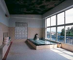 弥彦館 冥加屋:最上階の展望大浴場はしっとりとした泉質