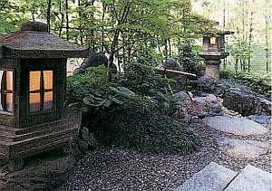 京都堀川イン:《施設》ロビーの一角に京都らしい雰囲気。