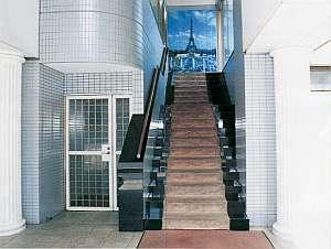 船橋シティホテル:ロビーに続くエントランス