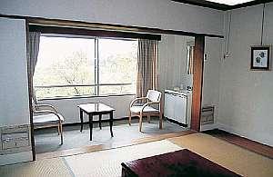 長寿湯 箱根荘:8畳和室