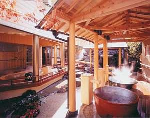 ホテル天坊:「壺入り娘の湯」「かくれんぼの湯」など趣向を凝らした露天風呂が楽しめる女性用大浴場