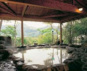 仙郷楼:金時山を望む絶景の露天風呂