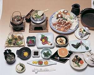 美ヶ原高原ホテル 山本小屋:メインの鍋料理以外は季節ごとに内容が変わります