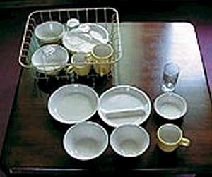 ロッジ タンデム:食器・グラスも揃っています。