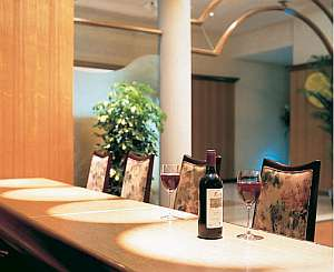 浪漫の館 月下美人:当館自慢のワインをお召し上がりください
