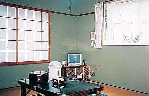 和風ペンション 明神茶屋:早雲山を望む和室です