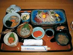 久慈グランドホテル:ホテル自慢のお膳 海女の磯蔵膳 ¥3500