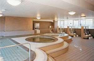 ニューグロリア鶴崎ホテル:サウナもある大浴場