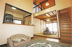ゆふいん温泉 コテージ 湖畔:離れの客室「きんりん」は和室6畳のロフトが人気です.