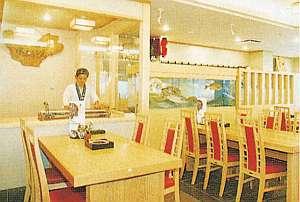 レストハウス・ビジネス旅館 栄:館内レストランでは本格手打ちうどん~和食が満載