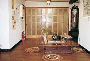 民宿 新小松屋:囲炉裏は憩いの場