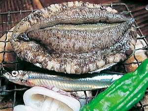 魚がうまい宿 齋藤旅館:あわびの姿焼♪あつあつを召し上がれ♪