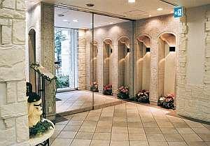 ホテルサンルートパティオ大森:エントランスも明るく華やかさただようステキな造り