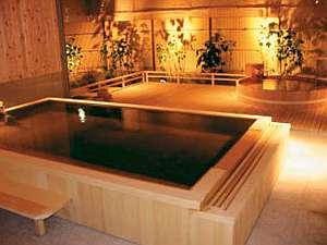 【ます風呂】【樽風呂】華やかな新設のお風呂。掛け流し
