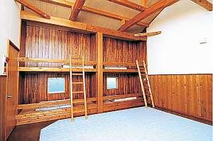 上小川レジャーペンション:1階には和室もある。子供たちは2階を貸切?