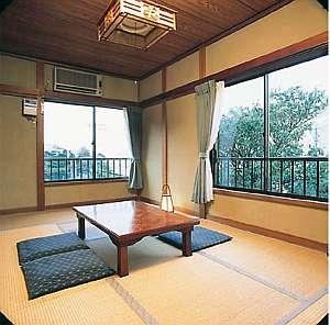 民宿つるさん:【和室7.5畳】落ち着いた和室でごゆっくりできます