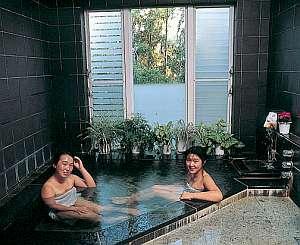 グルメペンション伊豆パシーフィック:伊豆石天然温泉で心と体のリフレッシュ!!内鍵で貸切OK