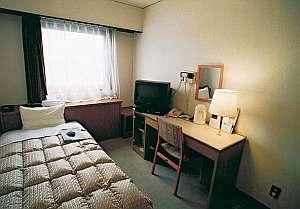 ロングサンドホテル:全室、冷暖房完備・TV・バス・トイレ、電話付