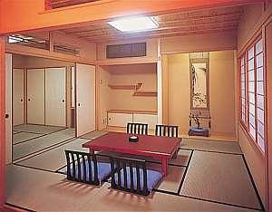 三慶園:客室(桜の間一例)