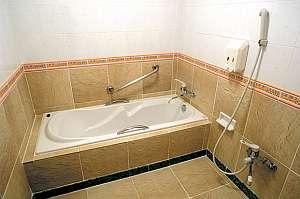 ホテル 花と緑のみずほ石垣島:ゆったりと足を伸ばしてご入浴いただけます