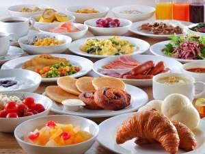 仙台ワシントンホテル:好評の和洋朝食バイキング!煮物や牛たんカレー、珍しいアサイージュースが人気!