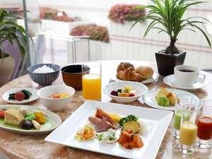 仙台国際ホテル:クチコミでも人気!ホテル自慢の朝食バイキング。地元食材もふんだんに使用した70種類の料理が楽しめます。