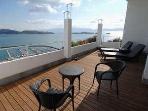 ホテルイルマーレ牛窓:青く透きとおる海と空を独り占め。全室オーシャンビューという贅沢。