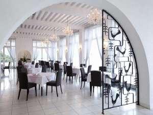 ホテルイルマーレ牛窓:レストランから広がるパノラマとともにシェフが腕を振るったフレンチを満喫