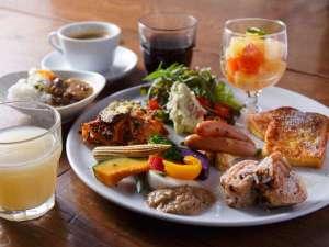三井ガーデンホテル四谷:『バイキングスタイル』の朝食/会場は、ホテル1階サルヴァトーレ・クオモ