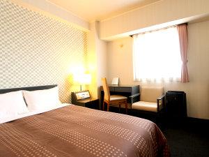 ホテルリブマックス千歳:◎シングルAルームです。セミダブルベッドをご用意しております♪♪