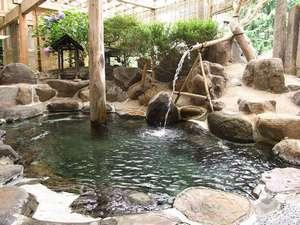 湯守の宿 三之亟:季節の風の香りを感じながら、源泉かけ流しのお風呂をお楽しみ下さいませ。