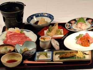 湯守の宿 三之亟:和食膳の一例。旬に合わせて食材を入替えております。