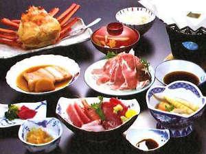 湯野浜温泉 源泉かけ流しの温泉民宿 真砂子屋:*【夕食一例】海の幸を中心に、こだわりのお食事をご用意しました。