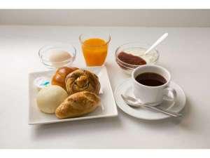 朝食は朝6:00より♪ヨーグルト、ゆで卵、サプリメントドリンクもご用意しておりますよ(^^