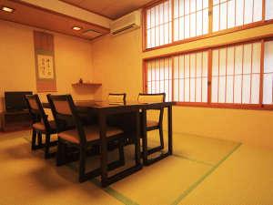 旅館小川屋:【個室食事処】プライベート感たっぷりの空間でお食事♪