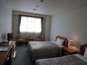 ホテル セントピア:24平米ツインルーム。エキストラベッドを加える事でトリプルのプランとなります。