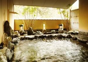 まろき湯の宿 湯元榊原舘:名湯、榊原温泉の露天風呂「おそめ」もえぎと隣接しています。
