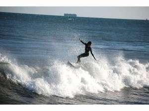 静波リゾートホテル・スウィングビーチ:静波海岸~サーフィン~
