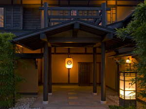 伊豆高原 全室露天風呂付き 離れ2階家 お宿うち山