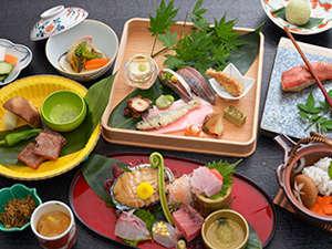 熱海慧薗:季節ごとの香り豊かな旬を召し上がっていただけるよう心を込めて調理いたします。