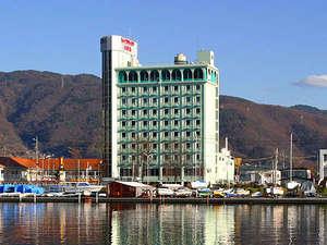 ■湯量豊富な天然温泉と自慢のお料理をリーズナブルにお泊りいただけるスパリゾートホテルです。