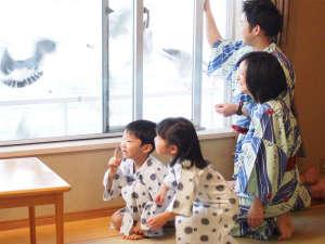 南三陸ホテル観洋:お部屋からウミネコちゃんと遊ぼう!