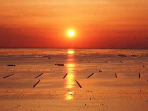 南三陸ホテル観洋:天気の良い日には館内から「絶景の日の出」がご覧いただけます。