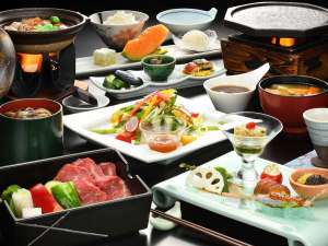 蔵王国際ホテル:【ご夕食一例】山形牛陶板焼き膳 ※イメージ